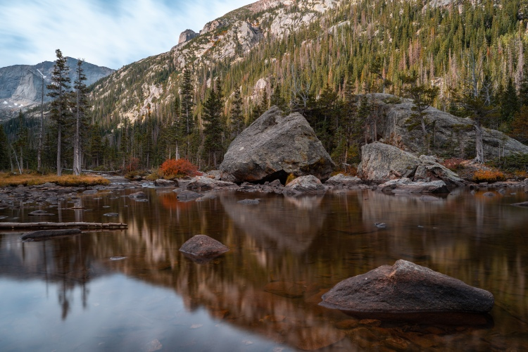 Jewel Lake at Rocky Mountain National Park in autumn
